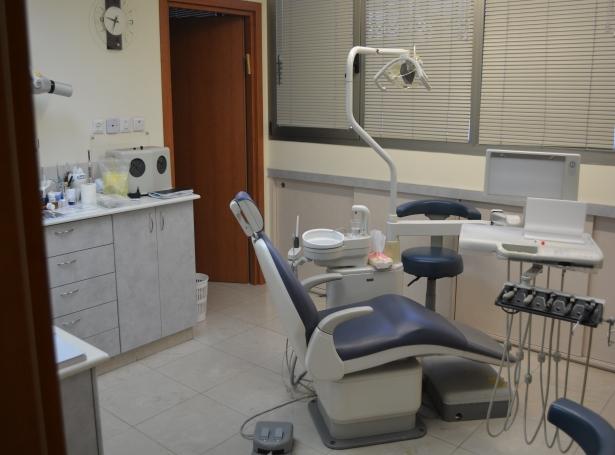 דשבסקי רופא שיניים